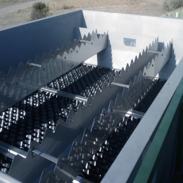 Decantador para tratamiento del agua